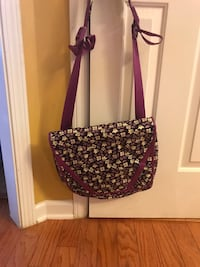 Vera Bradley Messenger Bag crossbody. Perfect condition  Belton, 29627