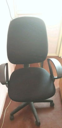 black and gray rolling armchair Bengaluru, 560068