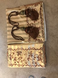 Pair of curtains with pair of ties Length 7 feet width 3.3feet Calgary, T3A 4H2
