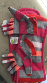 pair of red-and-gray striped hand gloves Lubbock, 79423