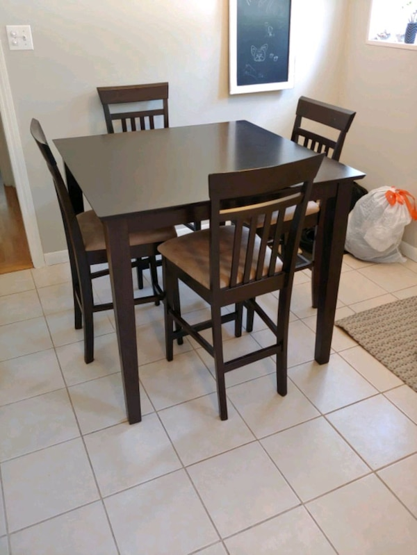 Astounding Kitchen Table And 4 Chairs Beutiful Home Inspiration Ommitmahrainfo