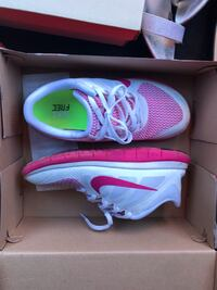 pair of white-and-pink Nike running shoes Washington, 20024