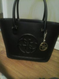 Black guess tote hand bag 6 months old great condi St. John's, A1E 0C2