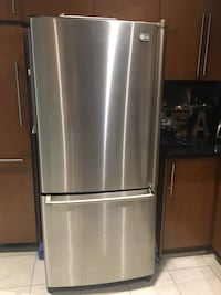 "LG stainless steel 30"" fridge with bottom freezer Bolton, L7E 2W7"