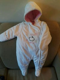 baby's white and pink snow suit Montreal