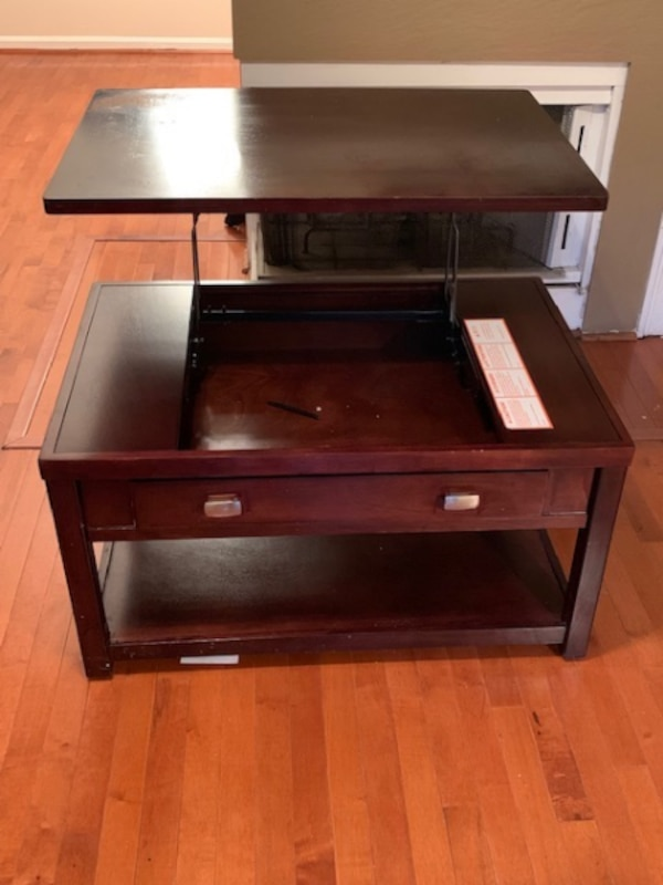 Coffee Table with Lift Top a141484f-7d37-4c6e-950f-b3e88a617e60