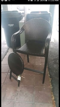 brand new bed  bath and beyond lounge/patio chairs and accent table San Bernardino, 92404