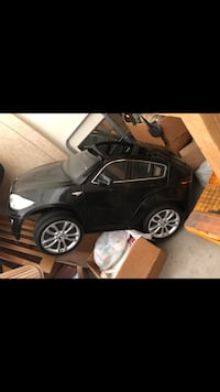 BMW toy car  Florissant, 63031