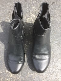 Woman's boots  New Lenox, 60451