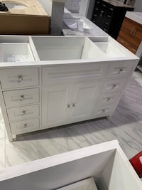 "48"" Single Sink Transitional Bathroom Vanity Cabinet in White Fairfax, 22031"