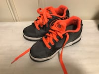 Heeleys size 2 excellent condition Toronto, M3A 1S9