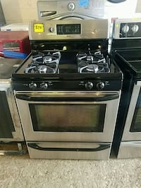 Kenmore stainless steel stove gas brand new scratc Baltimore, 21223