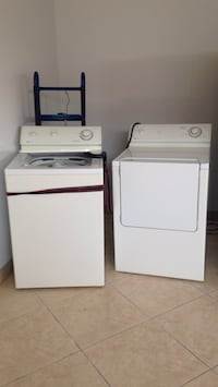 white top-load washer and dryer set Quebec City, G1T 1M1