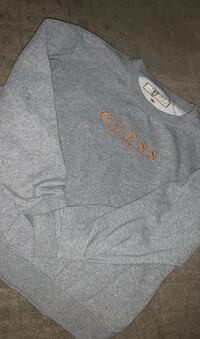 Guess crewneck sweater Calgary, T2X 1Z6