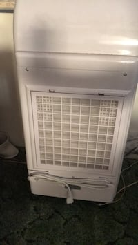 white window type air conditioner Harwood, 20776