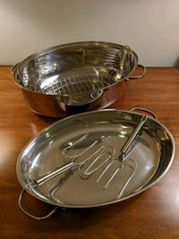 Large Oval Dutch Oven with rack and large forks Arlington, 22206