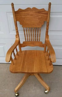 Vintage wood swivel armchair  Yukon, 73099