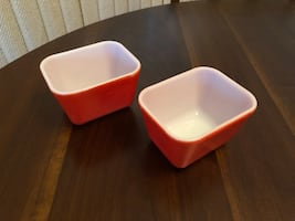 Set of Two 8oz. Pyrex Refrigerator Dishes