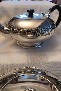 Tea Pot SP. Old English Reproduction Toronto, M8Y 1N7