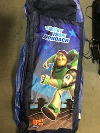 Toy story buzz light year sleeping bag and air mattress set