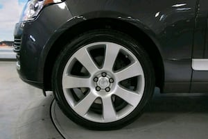 Land rover range rover wheels and tires