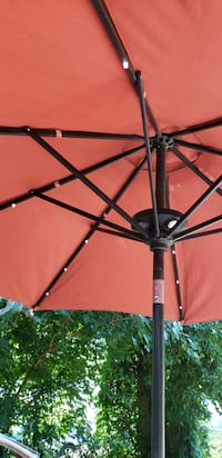 SOLAR LIT PATIO UMBRELLA 9 FT WITH STAND Cheverly, 20785