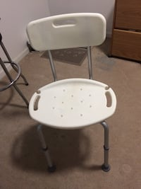white and gray high chair Odenton, 21113