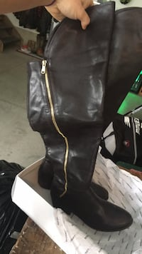Brown leather boots  Hamilton, L8B 1A4