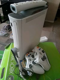 white Xbox 360 with controller Monroe, 10950