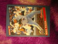 Mike piazza baseball card great condtion City of Orange, 07050
