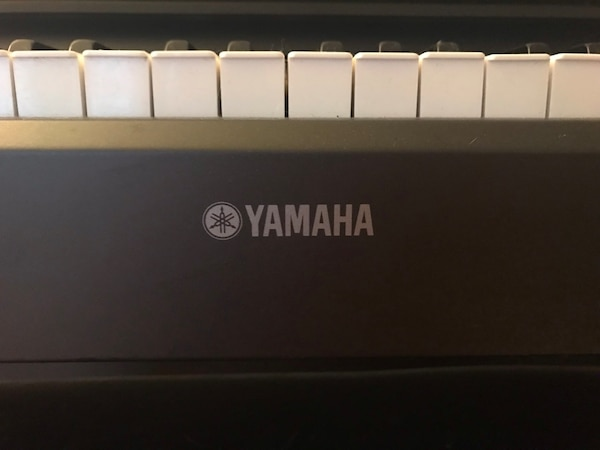 Yamaha Electric Piano YDP-213 3