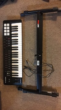 Never used M-Audio  Oxygen  49 with proline keyboard stand Northport, 11768