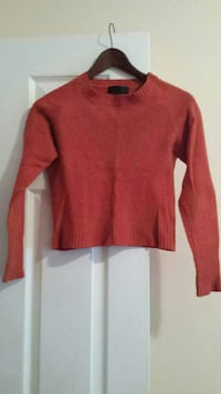 Orange knit sweater Vancouver, V5N 3Z3