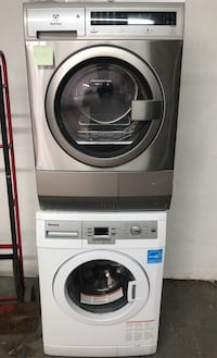 "Washer and dryer 24"" set (electric)"