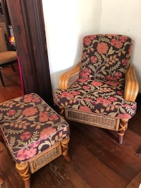Floral wicker chair set