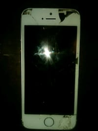 iPhone 5s 16g (Parts) Oxon Hill, 20745