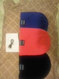 black and red fitted cap 776 km
