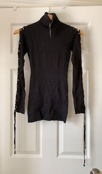 Guess black turtleneck. Size small. New with tags attached.  Ajax, L1T 0K1