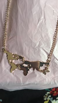 gold chain necklace with pendant Toronto, M2J 5C5