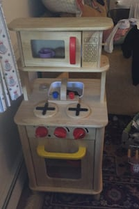 Play kitchen (double sided) Lynnfield, 01940
