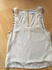 Vera Moda $10 XS, ladies lined sleeveless blouse with sequence Mississauga, L5L 5P5