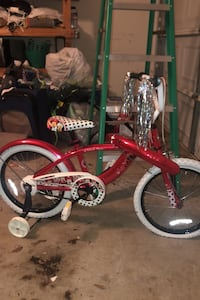 Girls 18in Minnie Mouse Bicycle with Training Wheels