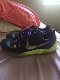 Kobe V5, decent condition, traction is still great, price is negotiable  Winnipeg, R2W 3X5