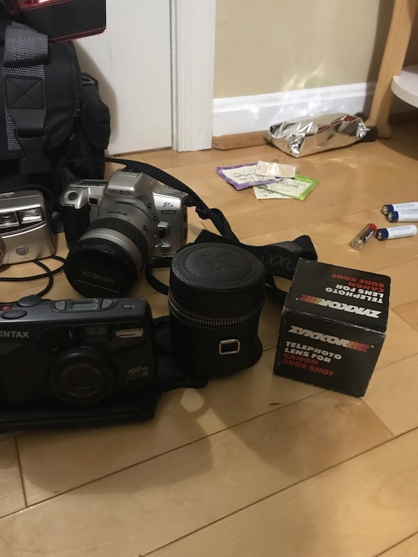 Vintage film cameras in working condition (unless stated otherwise) 61531044-fe45-412a-9bf3-6902837d2a30