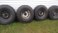 Bf goodrich military 36x12.5x16.5 tires and rims CHICAGO