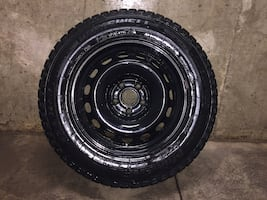 REDUCED! Agressive Winter Tires on Rims 215/65 R16