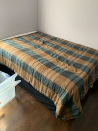Selling this double bed Kings Down,mattress and box spring.(bedding NOT included) Vaughan, L6A 4C8