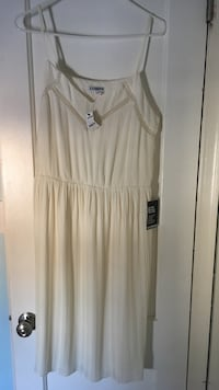 EXPRESS White sleeved dress size L