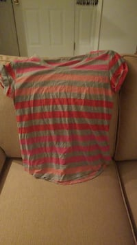 red and gray striped crew-neck shirt (Large)