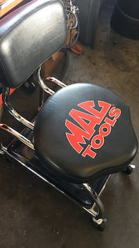 black Mac Tools chair